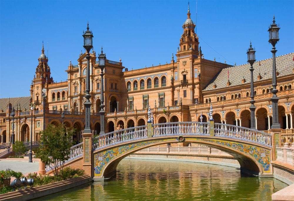 Sevilla: una escapada entre la tradición y la modernidad 1