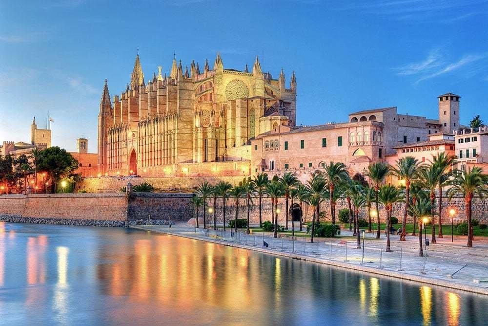 Viaje por España a través de las catedrales de Julio Llamazares 2