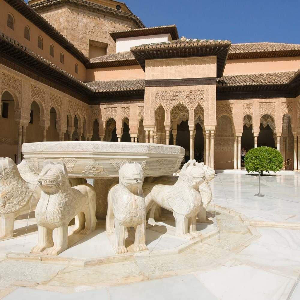 Granada_Alhambra_patio_leones