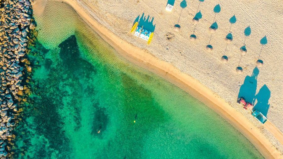 Vista de playa desde el aire.