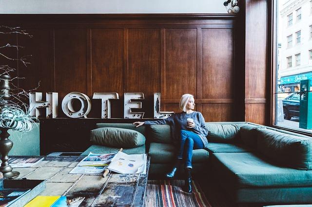 cambiar de moneda en el hotel