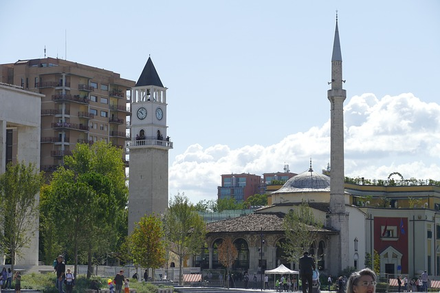 tirana que ver en albania