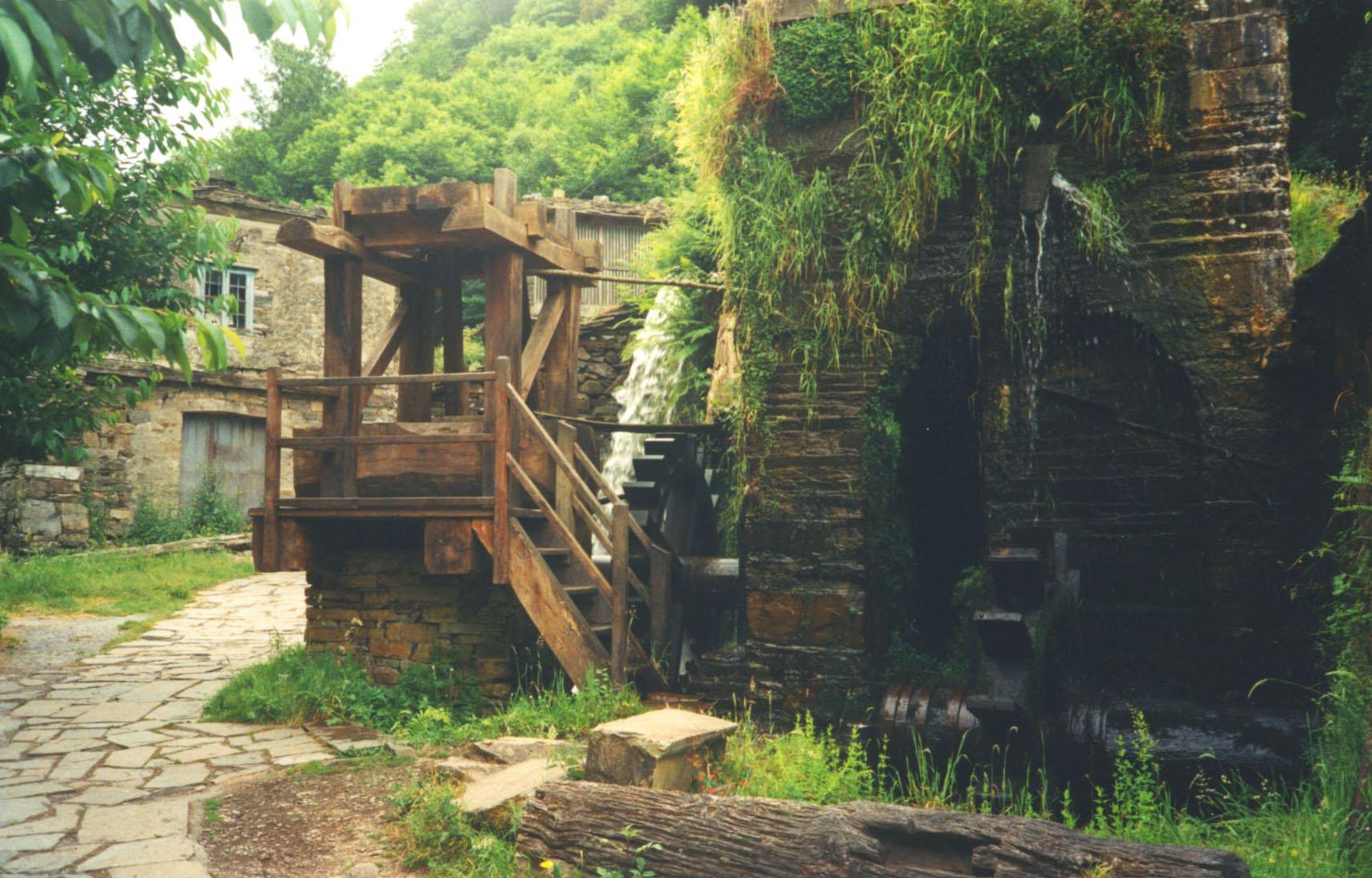 taramundi asturias pueblo montaña