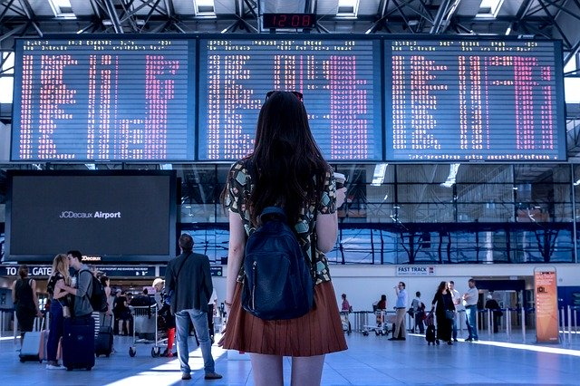 timos callejeros a turistas en el extranjero