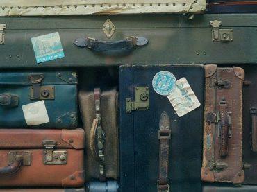 Timos callejeros a turistas en el extranjero: ¿cómo evitarlos?