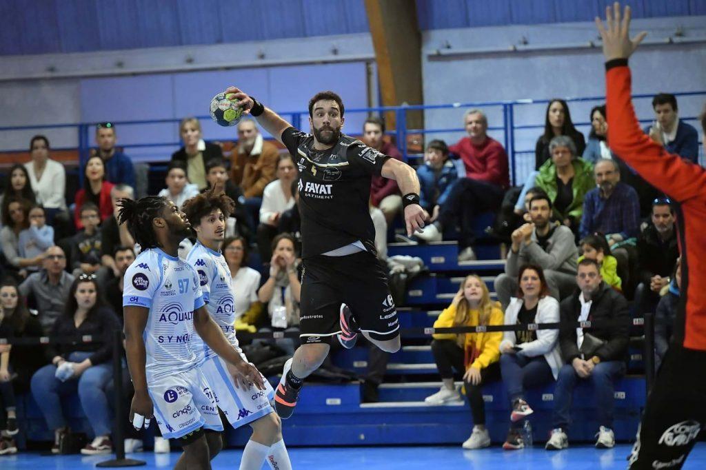 Iosu Goñi, en un partido con el PAUC contra el Chartres.