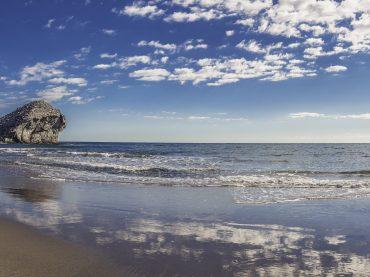 Almería, vacaciones en una naturaleza de contrastes