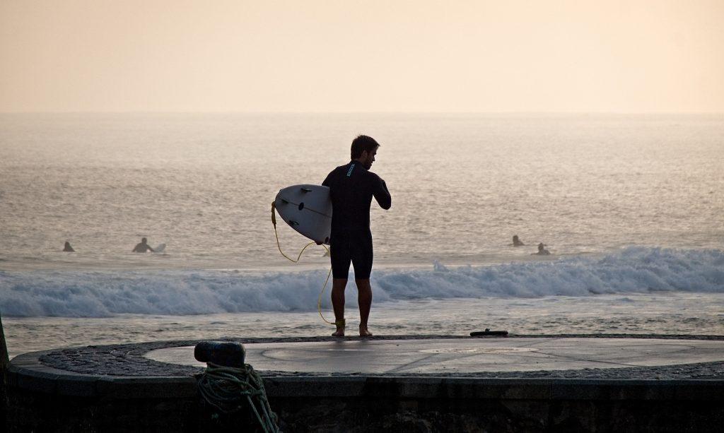 vacaciones-deportivas-surf-mundaka