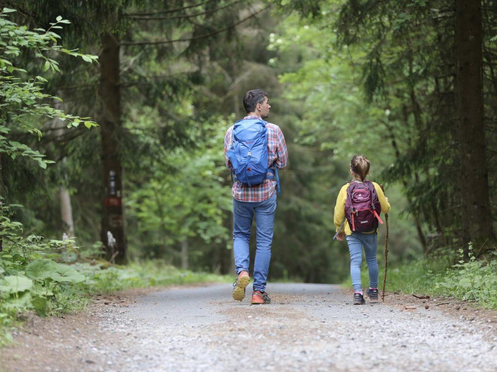 planes-dia-mundial-infancia-senderismo
