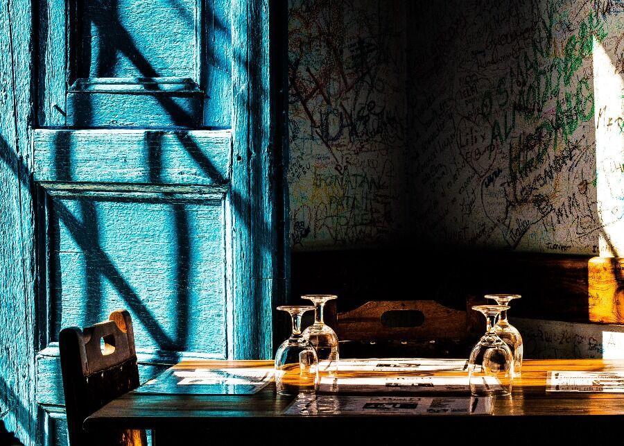Mesa de restaurante paladar en la Habana, Cuba